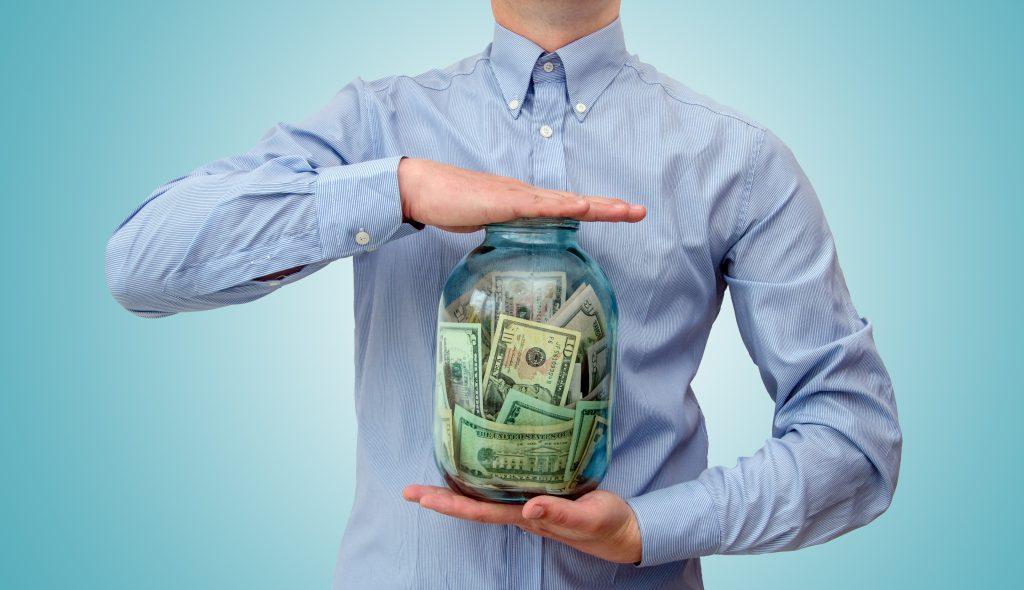 お金が貯まらない人とお金が貯まる人の致命的な32の違いと3つの対策