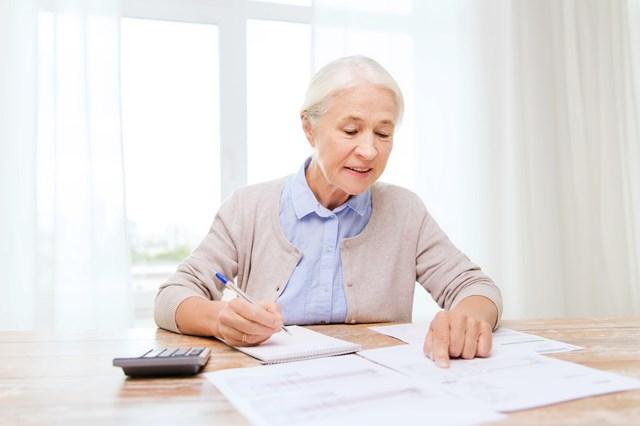 老後の貯金は60歳で3,000万円無いと生活できないってホント?