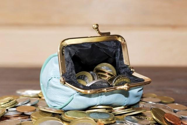 一人暮らしの平均貯金額