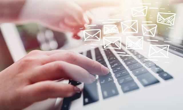 サブドメインでメールアドレスを作る場合